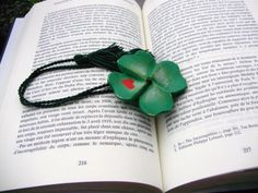 Bookmark wood clover