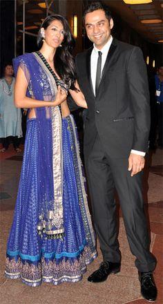 Actor Abhay Deol, Esha's cousin, arrived with girlfriend Preeti Desai for Esha's Sangeet.
