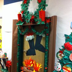 40 Adorable Christmas Door Decorating Ideas for School - Beauty Room Decor Christmas Classroom Door, Christmas Door Wreaths, Office Christmas, Christmas Crafts, Christmas Ideas, Christmas Tree, Christmas Door Decorating Contest, Holiday Door Decorations, School Decorations