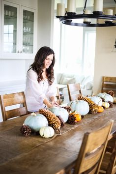 How to Make a Thanksgiving Tablescape - The Farm Chicks Hosting Thanksgiving, Thanksgiving Traditions, Thanksgiving Tablescapes, Thanksgiving Decorations, Happy Thanksgiving, Seasonal Decor, Holiday Decor, Fall Table, Turkey