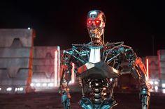 terminator genisys   Terminator Genisys : Aussi rougeoyant qu'un sapin de Noël, le T-800 ...