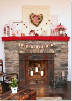 Valentine's Day banner with vintage playing cards. Dagmar's Home, DagmarBleasdale.com #DIY #Valentine #Valentinesday #banner #crafts #vintage #playingcards
