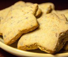 Recette de ragoût de boulettes traditionnel du Québec Christmas Dishes, Christmas Cookies, Christmas Recipes, Cinnamon Recipes, Biscuit Cookies, Beignets, Cookie Bars, Scones, Apple Pie