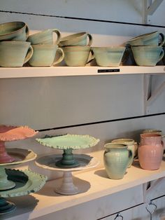 These are beautiful cake plates! Makes me want to go to my local pottery place and Create!
