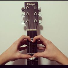 outfit, vintage, sweaters, heart, hipster, music, guitar, nailart