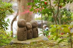 Cute Jizo statues at Hasedera.  Hmm I seemed to have missed this when I was there.  Picture by LocalJapanTimes