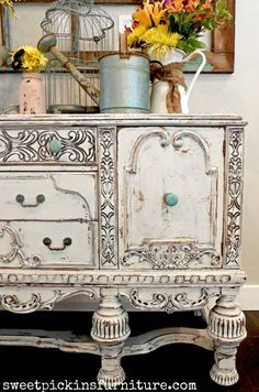 love the blue on it Sweet Pickins Milk Paint - painted antique buffet. love the blue on it Distressed Furniture, Hand Painted Furniture, Refurbished Furniture, Paint Furniture, Repurposed Furniture, Shabby Chic Furniture, Furniture Projects, Furniture Makeover, Vintage Furniture