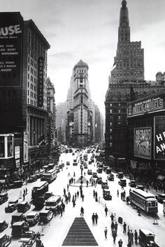 Pyramid America Times Square-New York City-Vintage Black and White, Photography Poster Print, 24 by Black And White City, Black And White Posters, Black And White Pictures, New York Architecture, Architecture Images, Vintage Architecture, New York Photography, Vintage Photography, Framed Art Prints