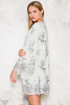 Köp Diamond Kimono hos Dennis Maglic