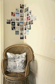 Make your own photo wall: 66 wonderful ideas and inspirations - photowall-ideas-family-photos-chair-pillow-light-brown-wall -