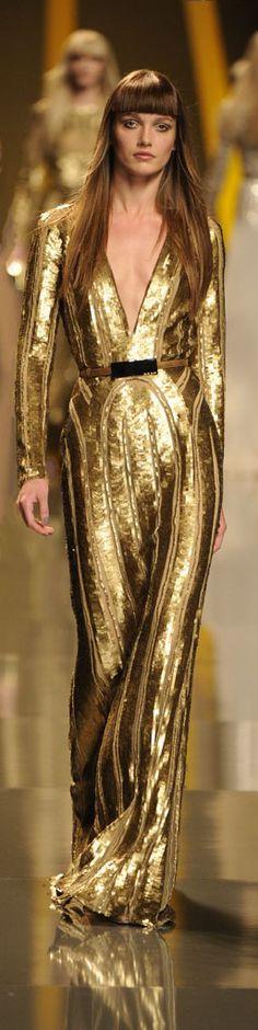 Elie Saab - a dress to impress Elie Saab, Gold Fashion, Runway Fashion, High Fashion, Haute Couture Style, Boho Mode, Mode Glamour, Mode Inspiration, Beautiful Gowns