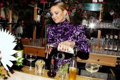 WITH temperatures beginning to soar and the official start of summer just around the corner, celebrities are getting out and celebrating- with their favorite cocktails, of course. Kate Hudson sent beautiful packages to her famous friends so they can toast the summer of 2021 with Moscow Mules. The kits were delivered to fellow celebs […]