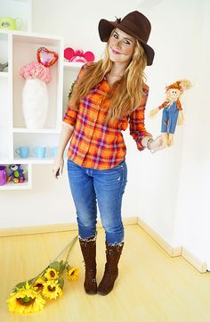 Easy Halloween Costume: Scarecrow by the joy of fashion, via Flickr