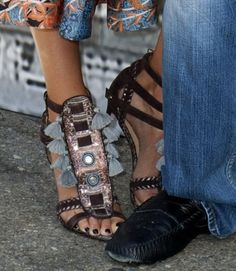 Sin City meet and greet and photocall at the 2014 San Diego Comic Con Jessica Alba wearing Chocolate Kotur Shoes...