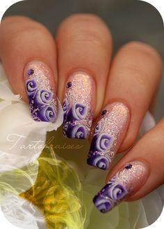 Nail art fleurs one stroke en forme de cornet