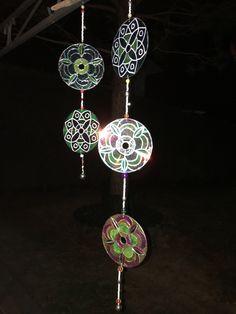 Acchiappasogni, fatto con CD riciclati, dipinti con windoecolor e perline...