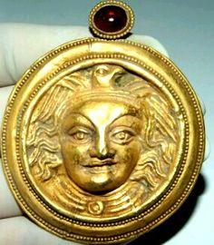 Grecobactrian gold ,garnet pendant.Alexander the Great Heritage. I~II B.C.