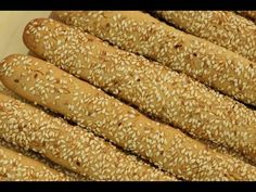 Crunchy Tea Cakes Crunchy Sesame Cakes are very easy and delicious with … – Pastry World Lebanese Desserts, Lebanese Recipes, Cooking Cake, Cooking Recipes, Kaak Recipe, Arabic Dessert, Arabic Sweets, Morrocan Food, Middle Eastern Desserts