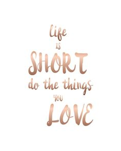 "Digital Printable Quote - ""life is SHORT do the things you love"" printable quote quoteprints 801922277382560634 Peace Quotes, Words Quotes, Quotes To Live By, Me Quotes, Motivational Quotes, Inspirational Quotes, Happiness Quotes, Inspirational Wallpapers, Sayings"
