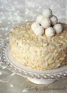 Lady Marmelada Raffaello torta s neba Milk Recipes, Sweet Desserts, Cheesecakes, Vanilla Cake, Cake Decorating, Food Porn, Food And Drink, Coconut, Favorite Recipes