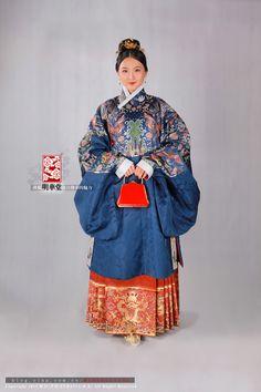 长安月 (Traditional Chinese clothes, hanfu. Ming dynasty....)