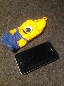 Despicable Me iPhone Cozy - Knitting Pattern