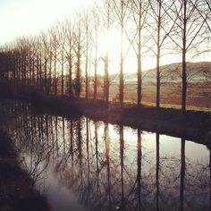Canal du Garonne, early morning walking