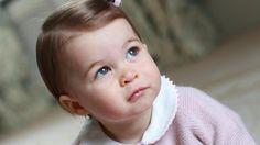 Prinzessin Charlotte (Quelle: Kate, the Duchess of Cambridge/Kensington Palace via AP) - 1. Geburtstag 2. Mai 2016
