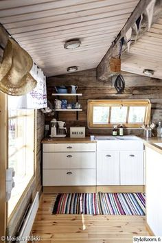 Ideas and inspiration Kitchen Interior, Home Goods, Cottage Inspiration, Scandinavian Home, Cabin Decor, Cottage Decor, Cottage Design, Home Deco, Cabin Style