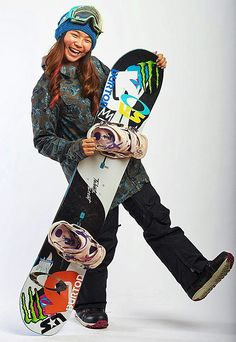 U.S. teen snowboarding sensation Chloe Kim confirms the inevitable: she's going to PyeongChang! There's no stopping Kim.  Coming into the 2017-2018 Dew Tour stop at Breckenridge, Colorado, the 17-year-old needed only to be the top American on the women's halfpipe snowboarding podium in order to secure a spot on the 2018 U.S. Olympic Team. #ChloeKim #TeamUSA 2018 Winter Olympics, Winter Olympic Games, Olympic Champion, Olympic Team, Chloe Kim Snowboarder, Dew Tour, Female Celebrity Crush, Go Usa, Olympic Athletes