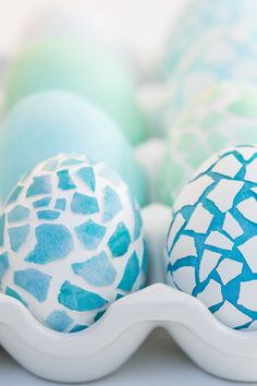 Don't cry over a broken egg — these innovative mosaic crafts make something beautiful out of a shattered shell. Get the tutorial at Sugar and Charm »   - countryliving.co.uk