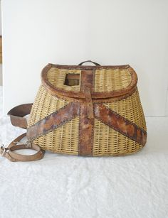 Antique Fly Fishing Creel/ Basket 1940s/ Antique sporting goods/ rusteam. via Etsy.