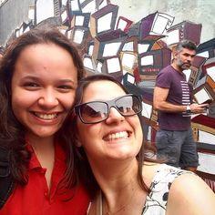 Momento selfie romântica com seu amigo curioso nos bastidores. ... #calcadaourbanoide #augusta #ruaaugusta #freicaneca #sp #sp4you #sousampa #amorpaulista #vejo_sp #super_saopaulo #sampaclick #minhasampa #selfie  #selfievip  #sampacity #saopaulocity #viajabi #marolacomcarambola #photolovers #saopaulowalk #saopaulo #BiCult #viagenscine #viagemprimata #visitbrasil #love #doisiguais #gaypride #lgbtpride #lgbtcommunity by eloahcristina