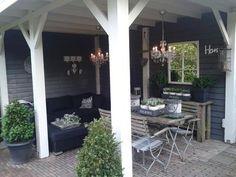 outdoor backyard room - love this Porch Veranda, Porch And Balcony, Porch Garden, Garden Cottage, Outdoor Rooms, Outdoor Dining, Outdoor Gardens, Outdoor Decor, Pergola