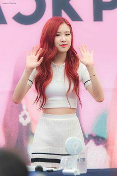# Black Pink # roze in Bundang Kpop Girl Groups, Korean Girl Groups, Kpop Girls, Blackpink Fashion, Korean Fashion, Foto Rose, Square Two, Jenny Kim, Rose Bonbon