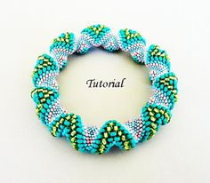 Alternating Cellini Spiral bracelet - tutorial by PeyoteBeadArt on Etsy (Sylvie Camps)