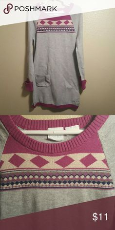 Roxy Girl sz 8 sweater Dress This sweater dress is very comfy and in excellent condition only worn a couple of times. Grey with Berry accents Roxy Dresses Casual