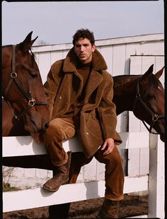 The Mars Reversible Shearling Coat In Mocha Mens Shearling Jacket, Men's Leather Jacket, Leather Trench Coat, Camel Coat, Mens Fur Coats, Trench Coat Outfit, Men Photography, Stylish Mens Outfits, Well Dressed Men