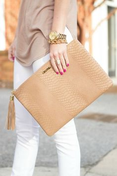 Nude Clutches and Evening Bags - Shop Now - Sale! Shop at Stylizio for womens and mens designer handbags luxury sunglasses watches jewelry purses wallets clothes underwear more! Sacs Design, Cute Bags, Beautiful Bags, Clutch Wallet, My Bags, Evening Bags, Purses And Handbags, Bag Accessories, Creations