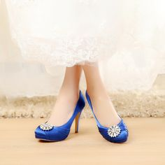 satin bridal shoes wedding shoes Comfortable wedding shoes with satin ,lace and rhinestone Unique Design High Heel Satin & Lace Shoes for Wedding Bride Closed toe bridal shoes High Heel - 4.5 inch