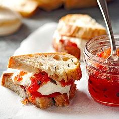Jam Tomato-Basil Jam- pour over cream cheese, mozzarella or brie and serve with crackers or crusty bread.Tomato-Basil Jam- pour over cream cheese, mozzarella or brie and serve with crackers or crusty bread. Fingers Food, Salsa Dulce, Homemade Jelly, Homemade Cheese, Jam And Jelly, Canning Recipes, Canning Jars, Canning 101, Pressure Canning