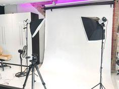 Fotostudio Cyber Computers am Isartor In unserem voll ausgestattetem Fotostudio gibt es alles für ein Fotoshooting. Es ist sowohl für Portrait als auch für Produktfotografie geeignet. Für Produktfotografie steht der Kaiser Fotostudio Aufnahmetisch Top Table Pro zur Verfügung.   #Fotostudio #Innenstadt