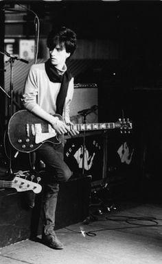Johnny-Marr-at-Smiths-Drum-Riser-Paris-95.jpg (245×400)