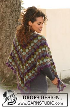 Midnight Rainbow Shawl By DROPS Design - Free Crochet Pattern - (garnstudio)