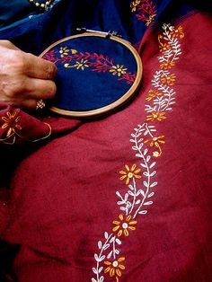 How To Make Simple Embroidery Designs inside Embroidery Near Me Louisville Ky that Embroidery Thread Near Me Kasuti Embroidery, Saree Embroidery Design, Simple Embroidery Designs, Embroidery On Kurtis, Hand Embroidery Videos, Bead Embroidery Patterns, Embroidery Flowers Pattern, Hand Work Embroidery, Hand Embroidery Stitches