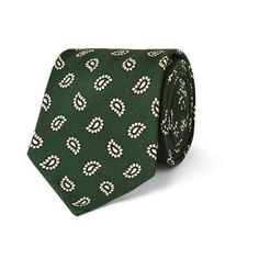 The paisley print is synonymous with dandy dressing, as is luxurious Neapolitan label Rubinacci. This green and white tie has been made by hand in Italy from soft silk which has a smooth handle and lustrous finish. Wear it to the office against a crisp poplin-cotton shirt to give your look a patterned punch.