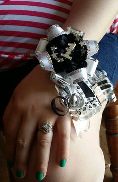 Homecoming Wrist Corsage Mum for by TheFashionJunkies on Etsy Homecoming Mums Senior, Football Homecoming, Homecoming Garter, Homecoming Corsage, Homecoming Spirit, Homecoming Dresses, Homecoming Themes, School Spirit Crafts, Texas Mums