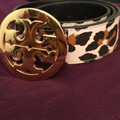 authentic Tory burch belt Tory burch animal print belt size Small. Minor scratches. Last hole shows wear. ( only hole used to wear) made in USA  authentic. Tory Burch Accessories Belts