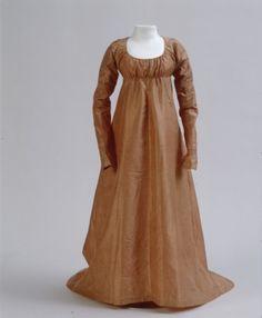 Germanischen Nationalmuseums. Item T4006, c1800 silk dress