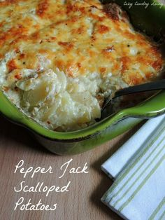 Pepper Jack Scalloped Potatoes _ Do you love Pepper Jack Cheese? Pepper Jack Cheese is one of those foods that I will break my diet for! Potato Side Dishes, Vegetable Side Dishes, Side Dish Recipes, Vegetable Recipes, Potato Recipes, Calories, Mac And Cheese, Food Dishes, Love Food